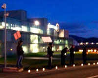 Segunda jornada de huelga en Gamesa con velas en Sarriguren