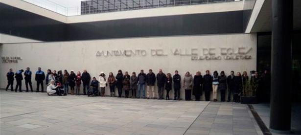 25_noviembre_concentracion_ayuntamiento
