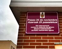 """Inaugurado en Sarriguren el """"Paseo 25 de noviembre"""" en recuerdo de las víctimas de la violencia de género"""