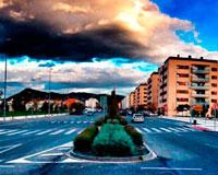 Un carril de la avenida Reino de Navarra de Sarriguren se cortará por trabajos de jardinería