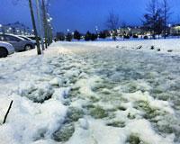 Sarriguren amanece con las aceras llenas de nieve y hielo