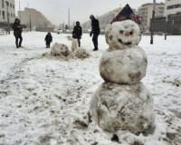 La nieve cubrió Sarriguren el fin de semana y continuará varios días