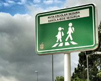 La ruta escolar segura de Sarriguren incorpora señalización vertical