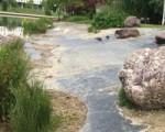 La orilla del lago de Sarriguren volverá a contar con una zona de piedras