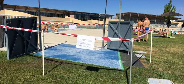 acceso_piscina_cerrado_ciudad_deportiva_sarriguren
