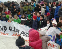 Más del 80% de los alumnos del Colegio Público de Sarriguren secundan la huelga