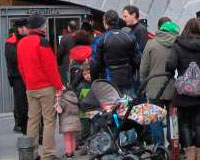 Familias de Sarriguren presentan instancias para pedir un nuevo colegio y anuncian más movilizaciones