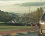 Un accidente en Sarriguren provocó ayer un atasco sin precedentes
