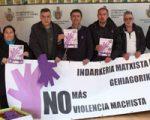 El centro Félix Garrido de Sarriguren y otras asociaciones y clubs colaboran en la campaña del 25N
